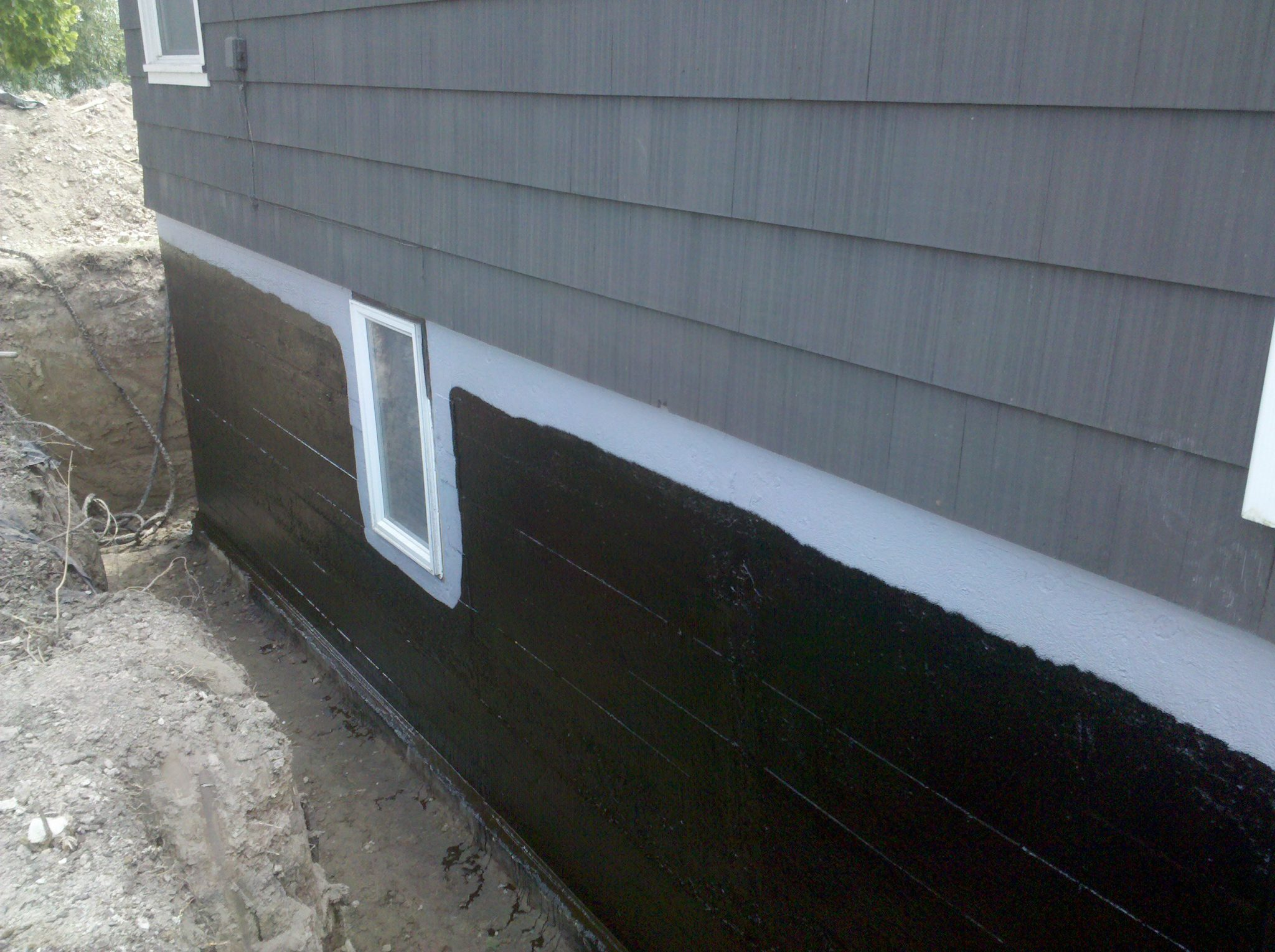Tips for foundation waterproofing commercial buildings for Basement foundation walls